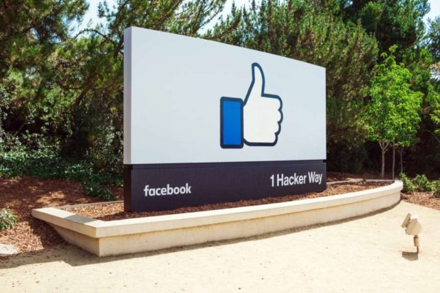 Facebook 'plans' to bring chat back into main app | Local News for British Asian and Indian Community in London