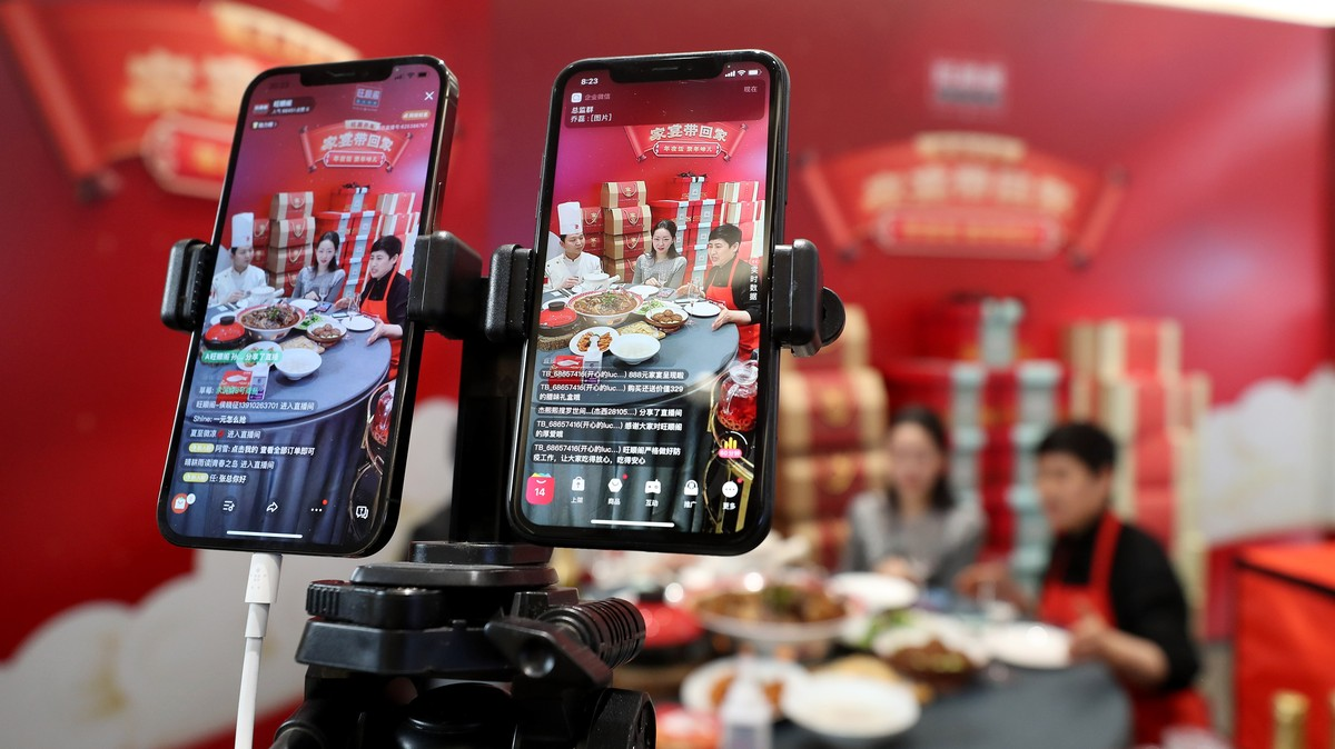China Orders Social Media to Block Banned Users From 'Reincarnation'