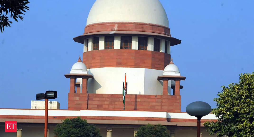 Karnataka High Court: Supreme Court issues notice to former managing director of Twitter India